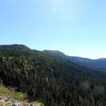 49. Za nami zostawiliśmy cały masyw Babiej Góry.