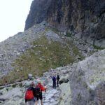 62. …najpierw w pobliżu ścian skalnych…