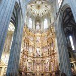 164. Renesansową katedrę wzniósł w XV w. Francisco de Colonia.