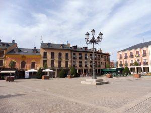 30. Centrum miasta stanowi Plaza Mayor, a z dawnych murów miejskich…