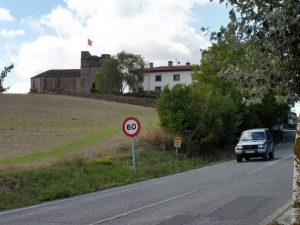 48. W Cizus Menor warto zwiedzić romański kościół San Miguel…