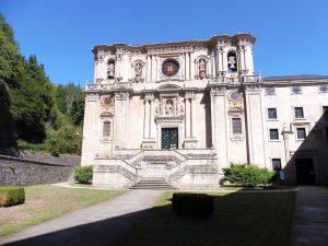85. W barokowym kościele przyklasztornym będę na wieczornej mszy…