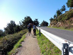 163. W drodze na cypel spotykam Enrique'a z kolegą i psem.