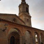 86. …a pod nią wieś Villamayor z romańskim kościołem San Andres.