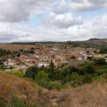99. Panorama wioski Torres del Rio nad rzeką Linares…