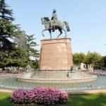 """113. …i pomnikiem """"generalEspartero"""", który zakończył wojny karlistów."""
