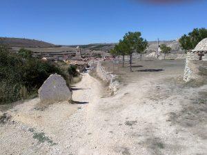 35. Zatrzymałam się dopiero 11,5 km za etapowym Hornillos w wiosce Hontanas.
