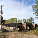 93. Przez most de Canto na rzece Cea opuściłam Sahagun…