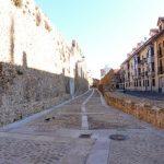 115. …weszłam na starówkę opasaną murami miejskimi.