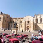 122. Najstarszym kościołem w mieście jest San Isidoro el Real z XI w.
