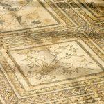 156. …z zachowanymi mozaikami.