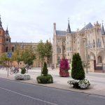 159. Katedra i pałac biskupów Antonio Gaudiego.