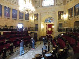 108. …i sala posiedzeń baskijskiego Parlamentu.