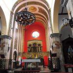 117. …o modernistycznej dekoracji prezbiterium.