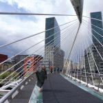129. …most dla pieszych Zubizuri autorstwa Santiaga Calatravy…