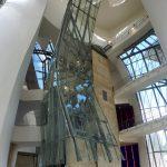 134. …a wysokie na 50 m atrium zachwyca przestronnością i światłem.