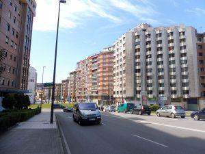 159. …w zwartą zabudowę bloków mieszkalnych.