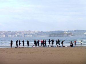 16. …gdzie surfingowcy szykowali się do akcji.
