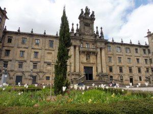 160. Obok Seminario Mayor w białych tulipanach…