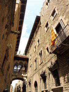 189. …wąskimi uliczkami Barri Gotic…