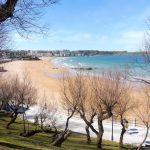 27. …i plaże La Concha i El Sardinero z cyplem Mataleñas.