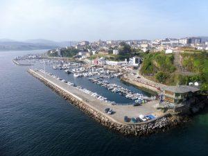 72. Z mostu świetnie wyglądało Ribadeo z portem jachtowym…