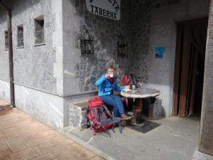 80. …i znalazłyśmy tawernę, gdzie można było wypić kawę.