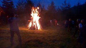 118. …wielkiego ogniska, które zapłonęło.
