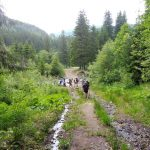 77. Po pokonaniu rzeki kontynuowaliśmy marsz szlakiem czerwonym…