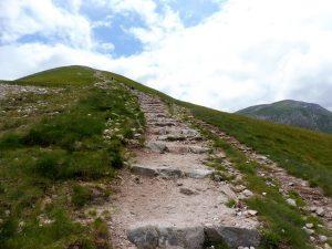 35. …na szczyt Małołączniaka (2096).