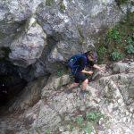 69. … i przeszli przez jaskinię Smocza Jama.