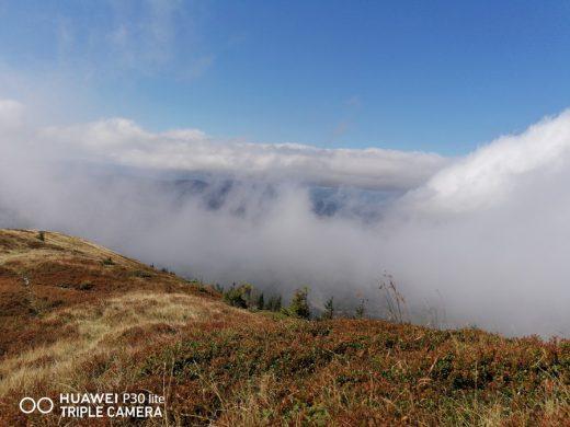 29. …i stało się: mgły zrzedły a niebo zbłękitniało.